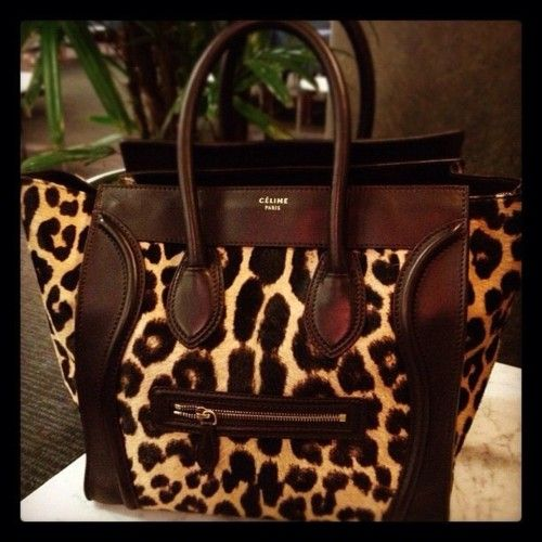 Need this bag in my life... yesterday!