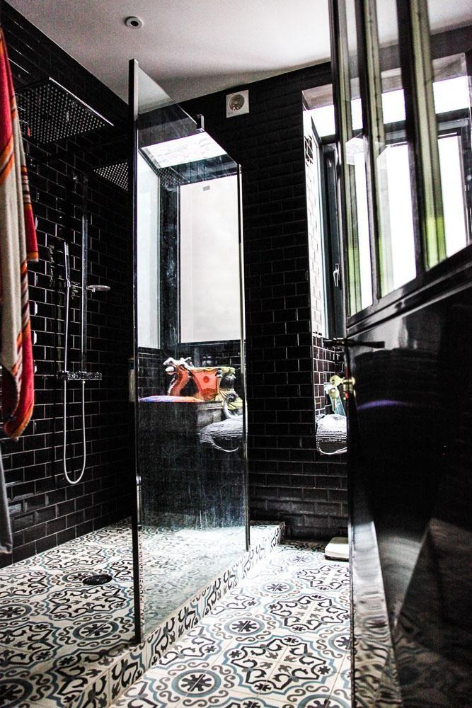 laure vial du chatenet et bertrand marie blanche csar shower windowblack bathroomsparis