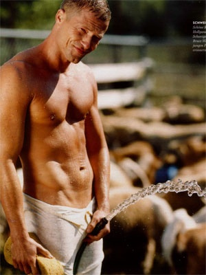 http://www.hottiesoftheday.com/males/celebrities/til-schweiger/profile.jpg
