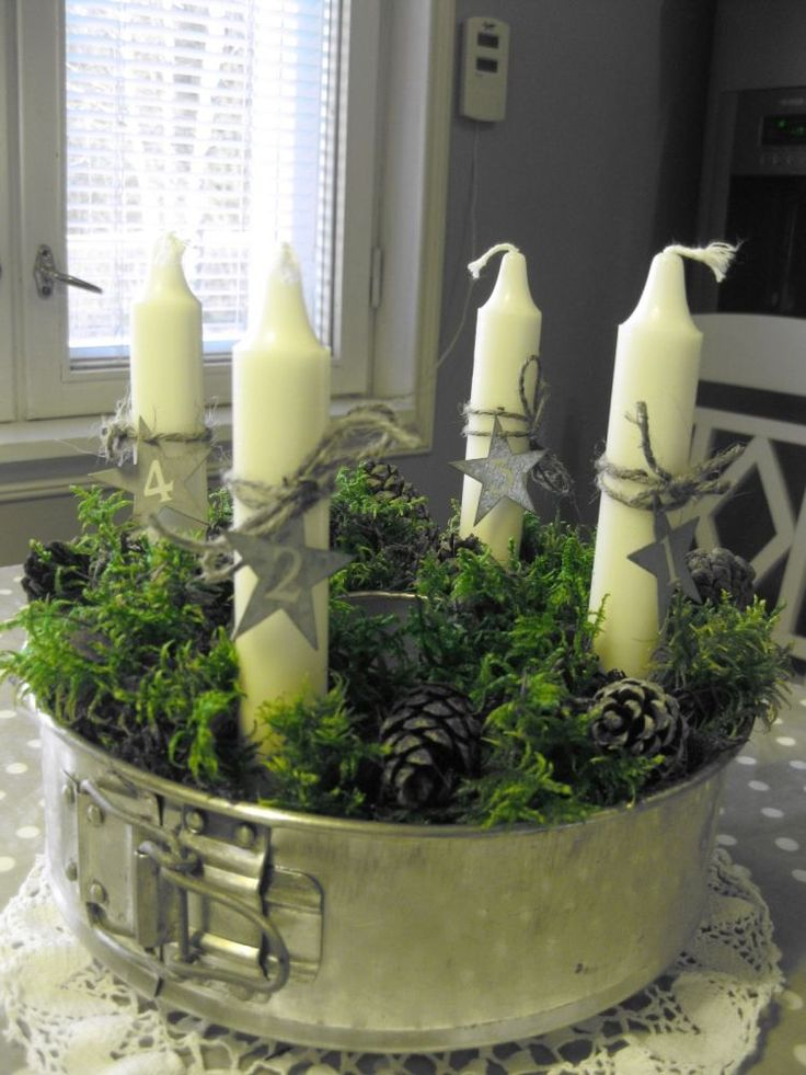 Metalle backform als adventskranz mit moos und zapfen - Pinterest advent ...