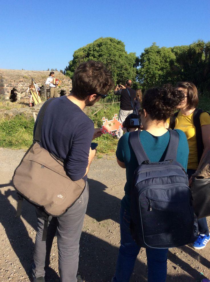 #invasionidigitali #siciliainvasa2015 #invadisantavenera...si spiega e poi si invade tutto! dall'Antiquarium all'area archeologica, tutto immerso nella meravigliosa natura ai piedi dell'#Etna e affacciata sul mare! Un luogo dove #mito e #natura si sposano alla perfezione! #Aci e #Galatea...tutto nasce da lì!