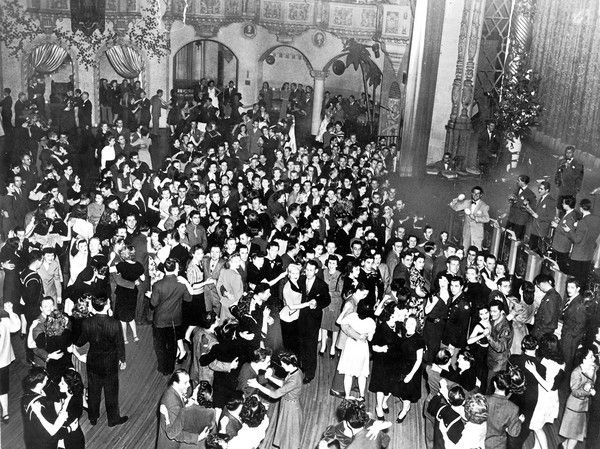 Aragon Ballroom In The 1940 S Big Band Ballrooms