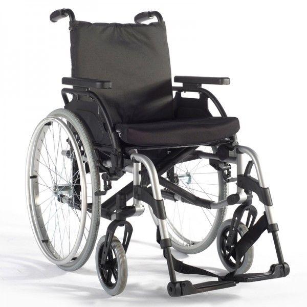 Silla Aluminio Plegable Breezy BasiX 2. La Basix 2 es una silla manual muy resistente y que permite un gran número de ajustes para adaptarse a cada usuario: profundidad, altura y ángulo del asiento, el centro de gravedad… La cruceta le otorga una resistencia extra y permite que la silla se pliegue. Fabricada en aluminio, soporta hasta 125kg.