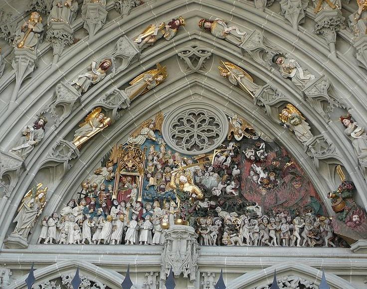 Portico de la Catedral de Berna  Suiza