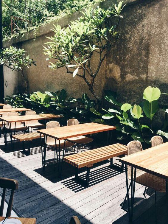 Outdoor seats at Pudak Restaurant: