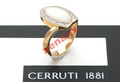 100% Oryginał Nowy  Pierścionek posrebrzany próba 925 obsadzany cyrkoniami oczko z masy perłowej  Kolor - złoty Powerzchnia polerowana Dokumentacja  Wymiary Średnica wewnętrzna - 18,59cm Szerokość - 0,2cm Waga - 7gr