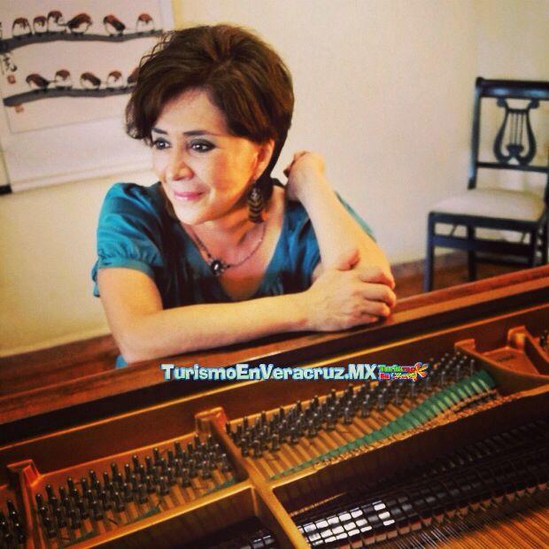 Ofrecen #recital de #piano http://www.turismoenveracruz.mx/2014/05/ofrecen-recital-de-piano-homenaje-a-ricardo-castro/