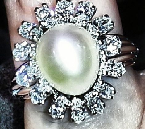 This stunning pearl and diamond ring for only $505 will get you so many compliments!  When the light hits it- watch out- it might blind you!  #pearl #diamonds #whitegold #bling #sparkle #diamondsbyeyal #bocaraton #florida #rings #jewelry #classy