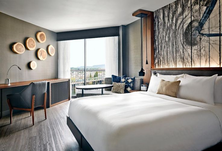 Book Portland Marriott Downtown Waterfront, Portland on TripAdvisor: See 927 traveler reviews, 229 candid photos, and great deals for Portland Marriott Downtown Waterfront, ranked #45 of 134 hotels in Portland and rated 4 of 5 at TripAdvisor.