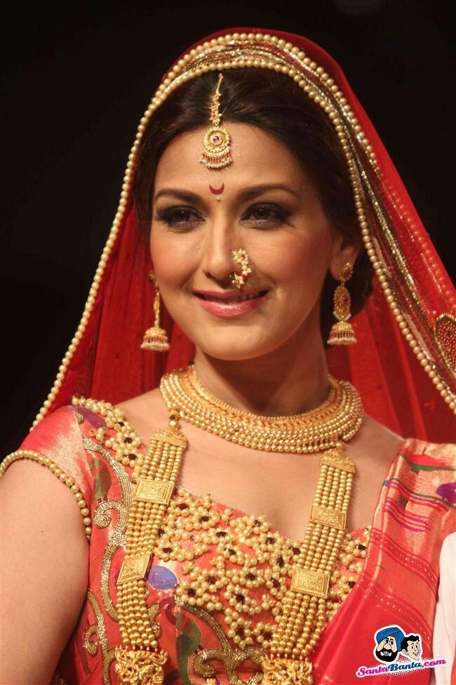 Sonali Bendre in bridal avatar at Lakme fashion week 2013...