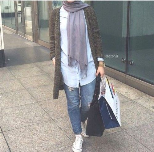 long cardigan in duster tones, Hijab trends 2016 http://www.justtrendygirls.com/hijab-trends-2016/