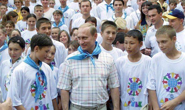Slavný Artěk opět slouží ruské mládeži, opravil ho Putinův kamarád