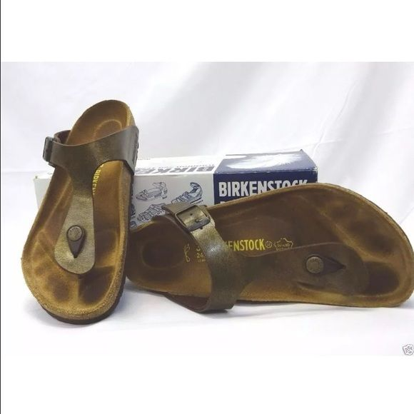 firm price Birkenstock thong sandals 37 Women's Birkenstock Gizeh Birko Flor thong sandals Gold Braun Brown Bronze color Size 37 Flat Shoes Shoes are in very good used condition with very minor signs of usage.  Please view photos. Shoes come with original box. Birkenstock Shoes Sandals