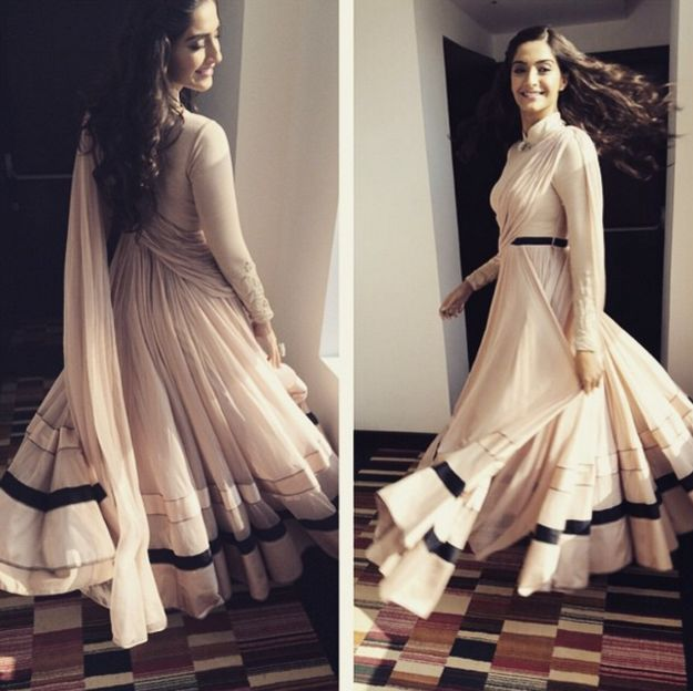 This made-to-twirl outfit. | 17 Outfits Sonam Kapoor Wore In 2015 That Only She Could Pull Off
