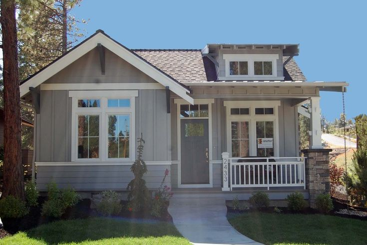 Craftsman Style House Plan - 2 Beds 2 Baths 999 Sq/Ft Plan #895-25 Exterior - Front Elevation - Houseplans.com