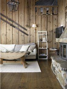 Interiørbeis på vegger gir en god lunhet og varme, og en langt mer oppdatert look enn gulnet furu.