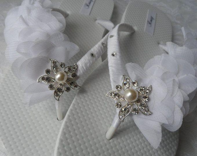 BLANCO novia chanclas playa boda Flip Flops chanclas de diamantes de imitación / hoja gasa Flip Flops. / damas de honor.