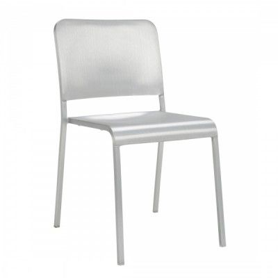 20-06 Foster Chair | Thonet