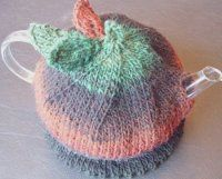 Autumn Tea Time Cozy- What better way to fight off the chill of winter than by having a piping hot cup of tea? Use this free knitting pattern for a lovely Autumn Tea Time Cozy to make sure your tea pot stays hot (in style).