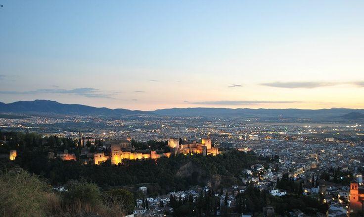 0_177706_bb147f67_XL.jpg (800×479)   Вид на Альгамбру с площадки оборзения Сан-Мигель-Альто. Оттуда (имхо) лучше всего. Особенно на закате.