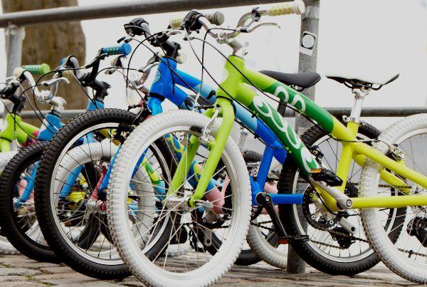 Whooop, whooop! Endlich sind die 16 Zoll und 20 Zoll OLLO Bikes im Sortiment. Zwar sind die Fahrräder noch nicht im Lager, aber bald. Jetzt bestellen und ab 15. Dezember auf OLLO freuen. #14zoll #16zoll #20zoll #perfektesweihnachtsgeschenk #weihnachten #geschenk #ollobikes