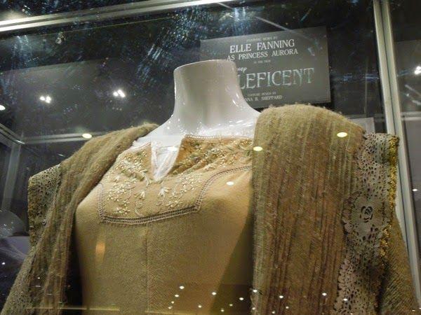 Elle Fanning Aurora Costume Princess Aurora Malefi...