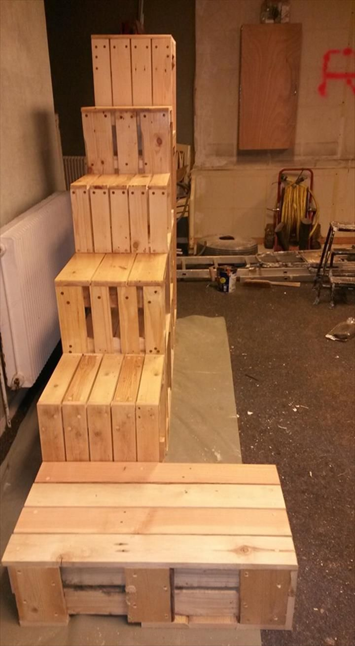 Pallet Stairs with Magazine Rack | 99 Pallets