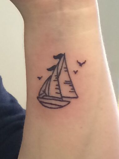 like boat style, minus the flag on top maybe, also leave it to a single sail