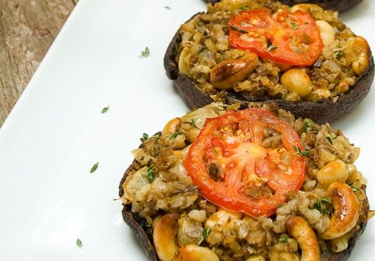 :: recommended :: vegan stuffed portobello mushrooms w/ lentils and cashews. made this for last year's thanksgiving!