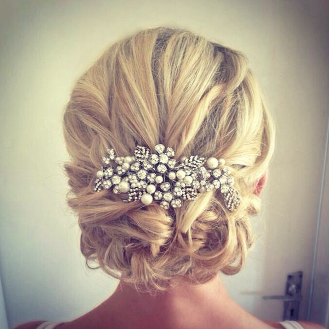 Vintage loose bridal wedding blonde hair