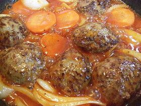 フライパンひとつで簡単♪煮込みハンバーグ by chiaki2012 [クックパッド] 簡単おいしいみんなのレシピが213万品