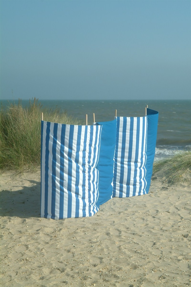 "Love this ""Carbis Bay Holidays blue"" wind break from @Garden Trading .  Perfect for a trip to the #beach in #Cornwall."