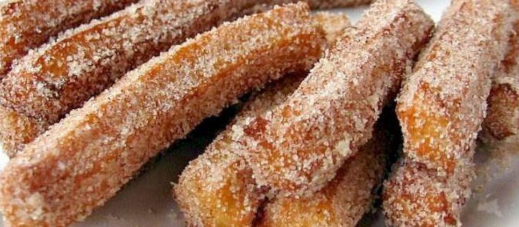 La ricetta dei churros spagnoli, un dolce facile e veloce da friggere e gustare caldo con zucchero e cannella, da provare subito