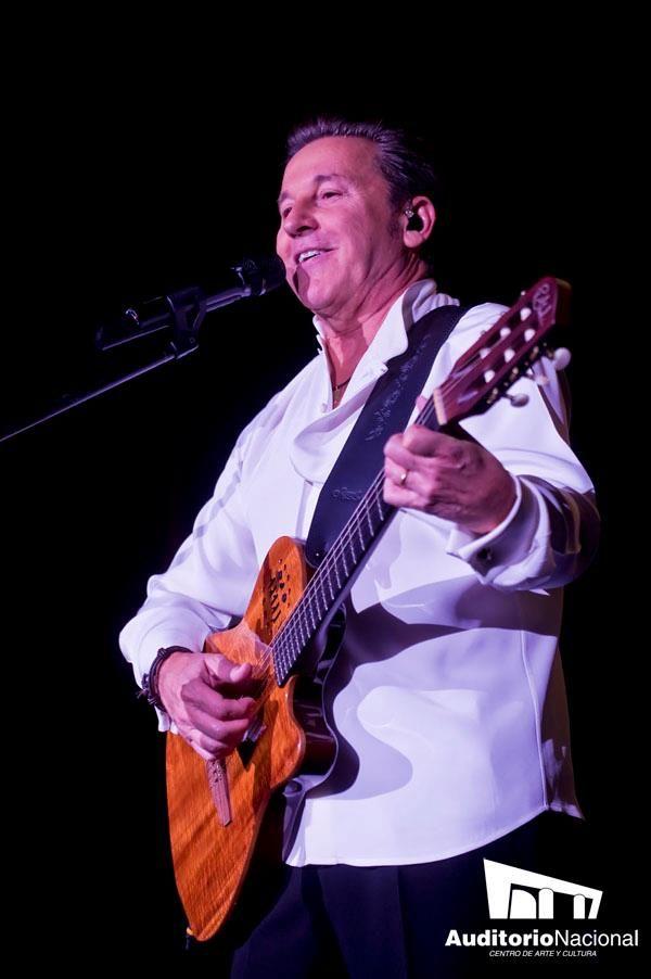 """Ricardo Montaner inicia su gira """"Viajero Frecuente"""" en el Auditorio Nacional."""