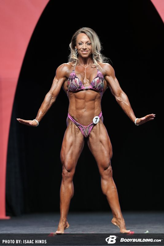image Pro bodybuilder nathalie falk in the gym