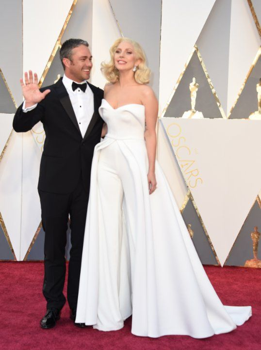 Taylor Kinney and Lady Gaga at event of The Oscars (2016)
