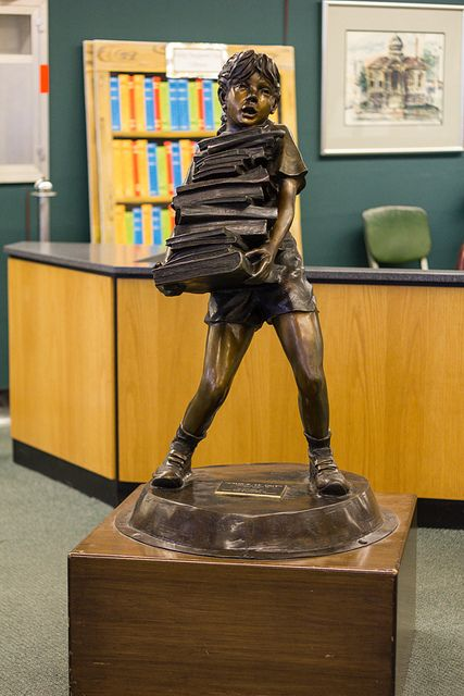 Statue in the Flint, Michigan Public Library