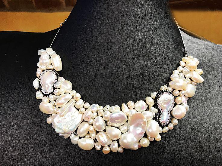 Collar peto de perlas barrocas y cultivadas.
