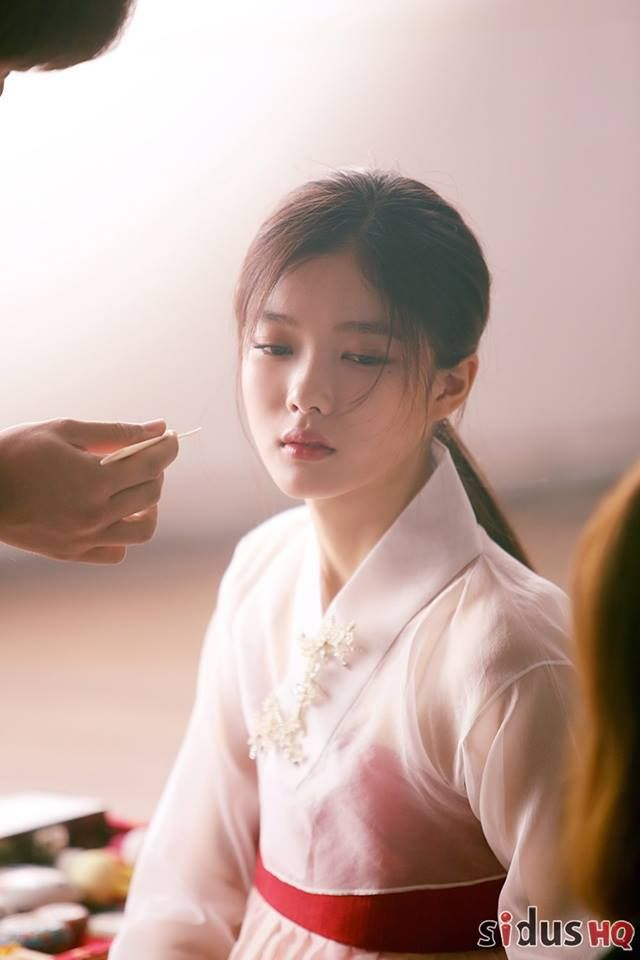 Kim Yoo Jung-Moonlights drawn by clouds (3)
