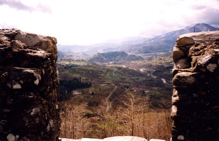 Lo sguardo del castellano. Garfagnana e Capriola viste da Verrucole by Segni dell'Auser on 500px