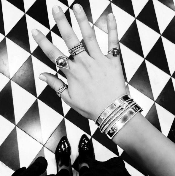 anel de dedao (via Significado de usar anel no Polegar) #semijoias #semijoia #anel #aneis #colar #colares #brinco #brincos #pulseira #pulseiras #bracelete #braceletes #moda #tendencia  https://www.waufen.com.br/