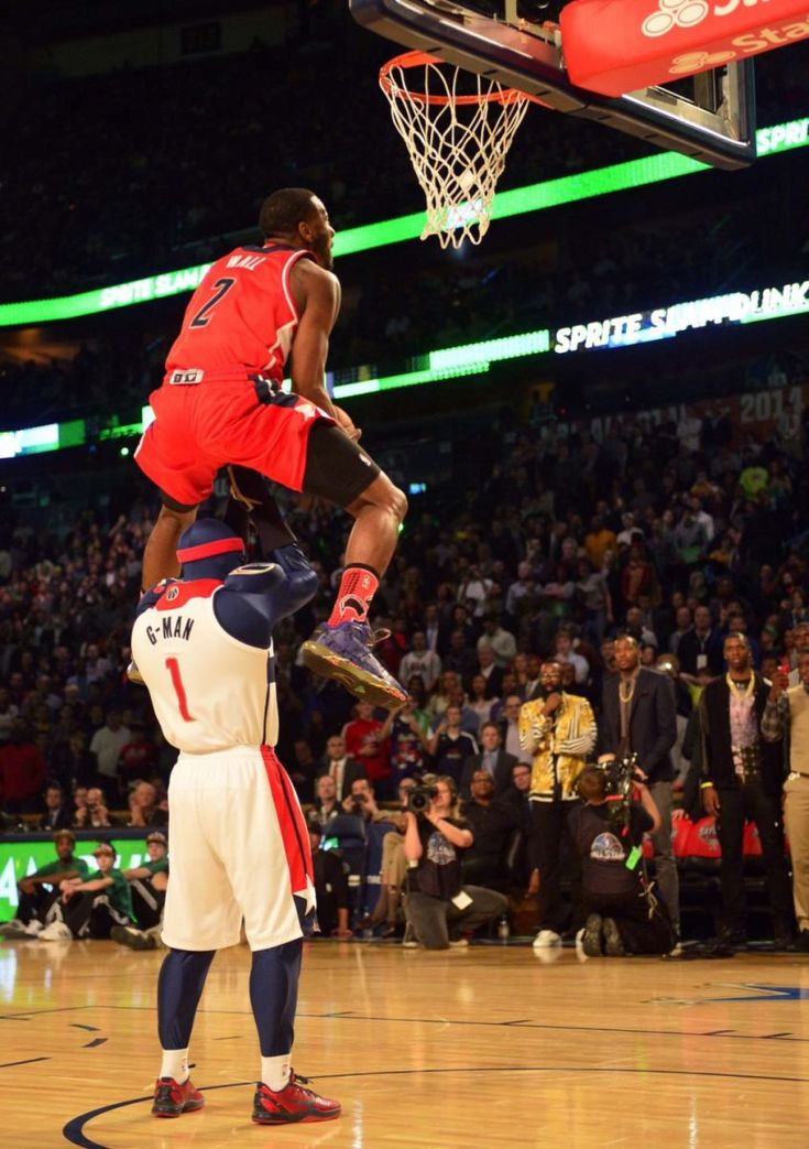 John wall dunk of the night destroyed everyone with this one!