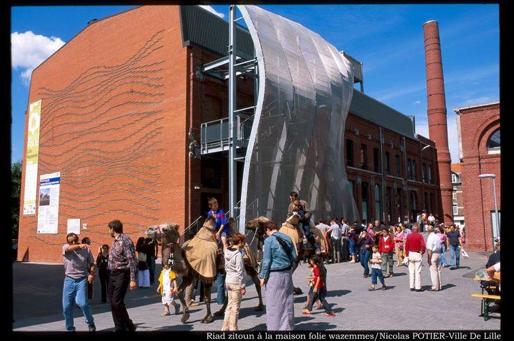 Architecture-> lieu réhabilité /nom: Maison Folie Wazemmes / adresse: 70 rue des Sarrazins à Wazemmes,  Lille /date de création du bâtiment industriel:20 eme siécle,date de réhabilitation 2004/ architecte : agence néerlandaise Nox avec Lars Spuybroek/