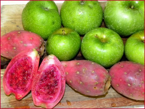 apples and prickly pears