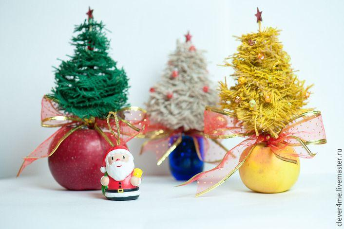 Новогоднее настроение в наших руках несмотря на кризис! Мы можем создать праздник для близких людей своими мыслями и сердцами! Особенно в праздничной и сказочной атмосфере в трудные времена нуждаются дети. Уделите им порцию времени, подарите частичку любви. И это отзовётся в будущем! Предлагаю вам сделать новогоднюю ёлочку для красоты и здоровья. Если у вас хватит терпения до…
