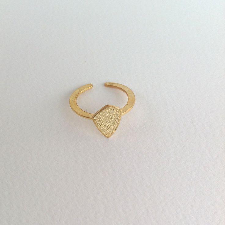 επίχρυσο δαχτυλίδι pebble