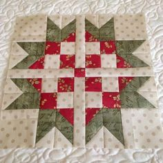 Sweet Scandinavian Star Block | This back to basics star block is a great idea for a holiday quilt!