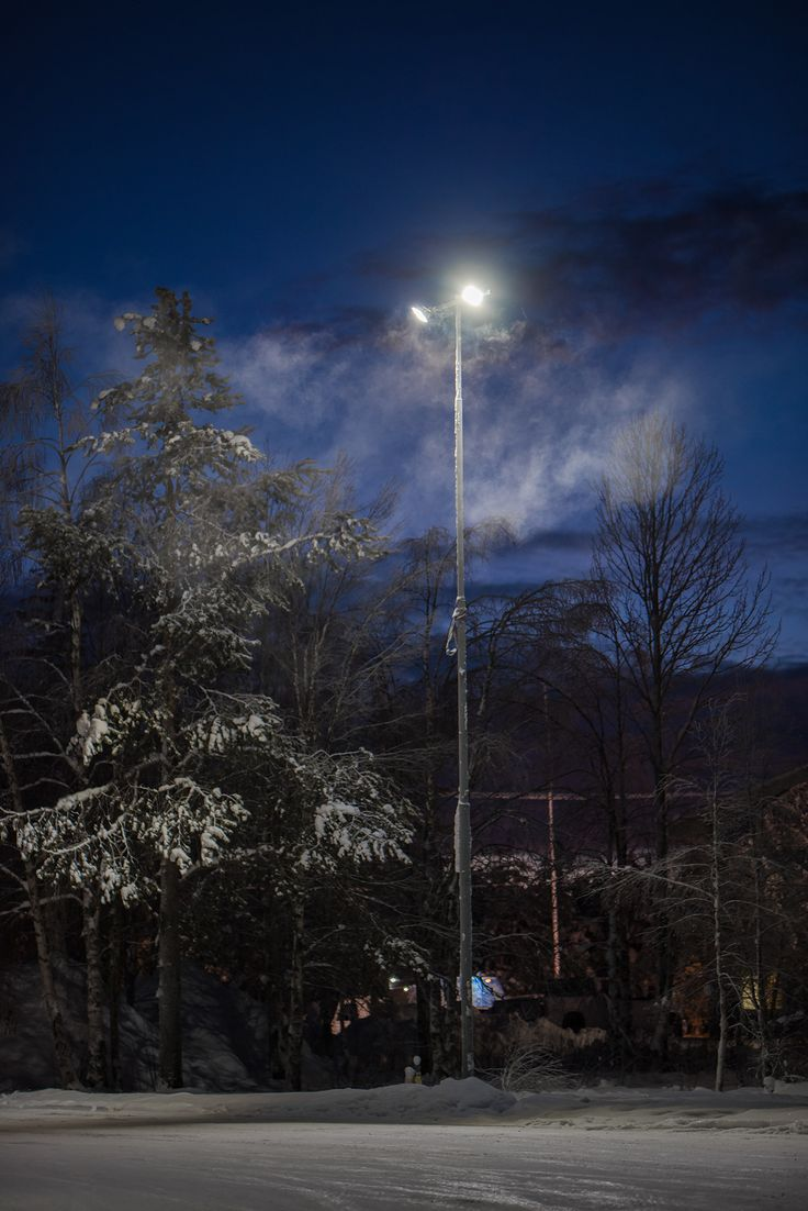 Our Area 100W industrial led-luminaires are perfect for outdoor lighting. Winledin Area 100W valaisee isommatkin ulkotilat.