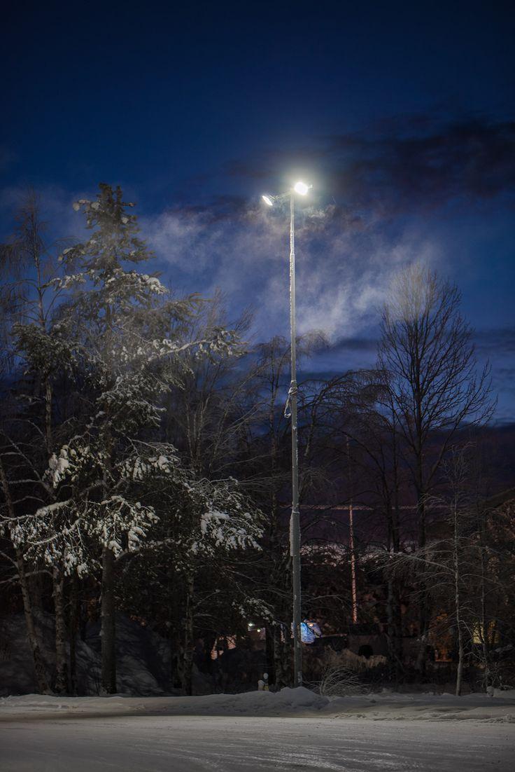 Our Area 100W industrial led-luminaires are perfect for outdoor lighting. Winledin Area 100W valaisee isommatkin ulkotilat.