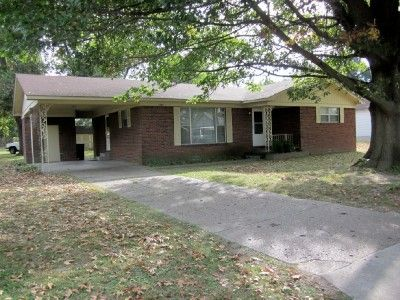 Move in ready, well maintained brick, 3 bedroom, 1 bath home. New subfloor, carpets, and linoleum, neutral walls, open concept living and dining room with wainscoting and pass thru to kitchen, 2006 roof, and 5-6 year old 10 x 16 shed in good sized shaded yard. Lot 75 x 140.mls1446. Listing Agent Monica Smith in Caruthersville MO